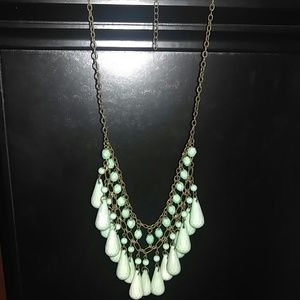 Jewelry - Mint green necklace
